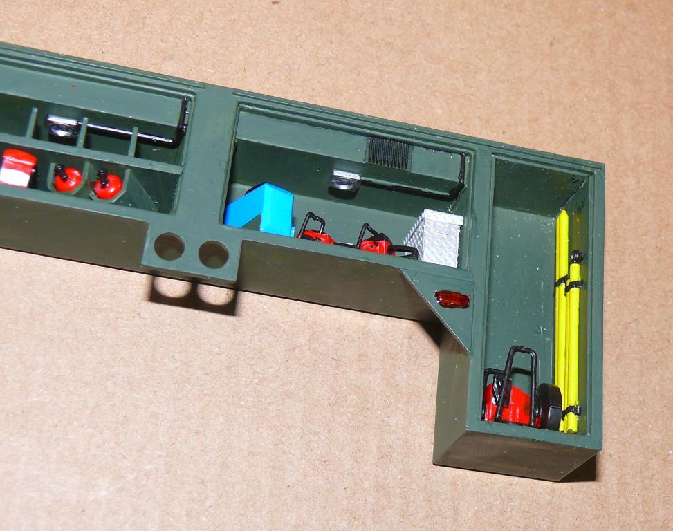 HEMTT M1142 Tactical Fire Fighting Truck TFFT de Trumpeter au 1/35 - Page 2 Hemtt638
