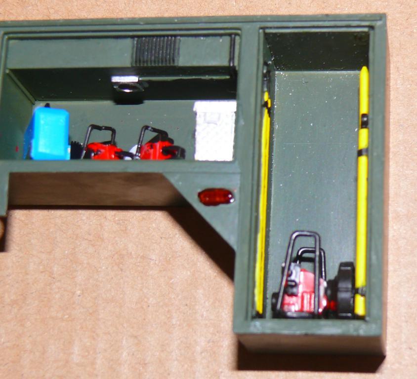 HEMTT M1142 Tactical Fire Fighting Truck TFFT de Trumpeter au 1/35 - Page 2 Hemtt641