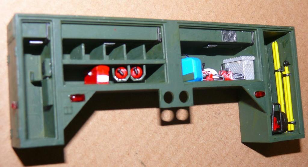 HEMTT M1142 Tactical Fire Fighting Truck TFFT de Trumpeter au 1/35 - Page 2 Hemtt643