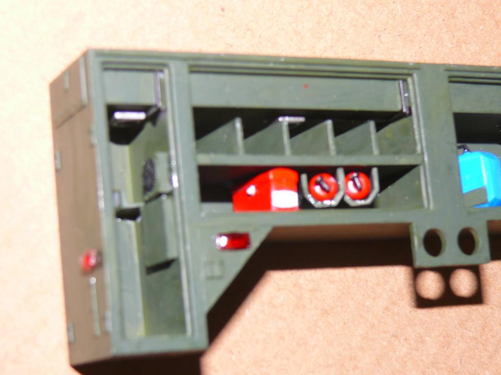 HEMTT M1142 Tactical Fire Fighting Truck TFFT de Trumpeter au 1/35 - Page 2 Hemtt644