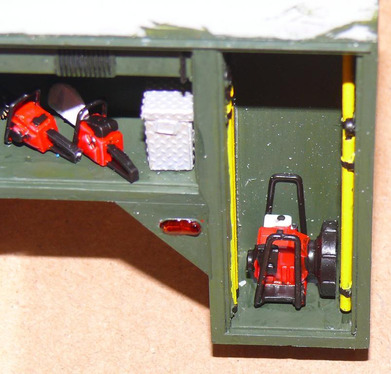 HEMTT M1142 Tactical Fire Fighting Truck TFFT de Trumpeter au 1/35 - Page 2 Hemtt645