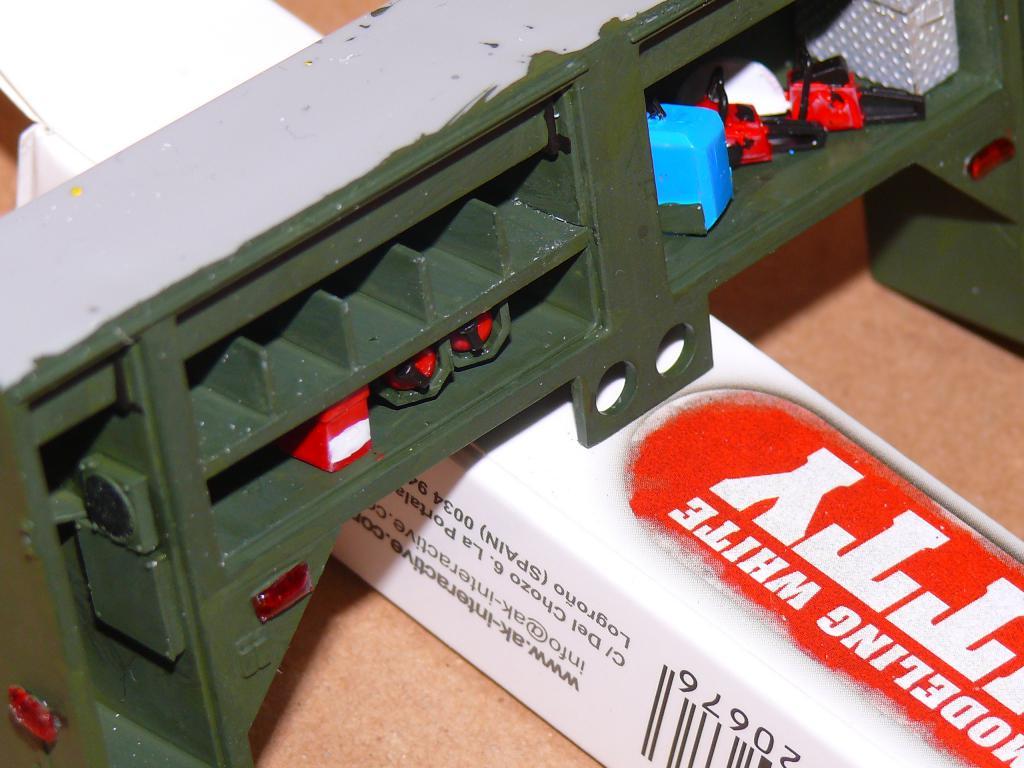 HEMTT M1142 Tactical Fire Fighting Truck TFFT de Trumpeter au 1/35 - Page 2 Hemtt651