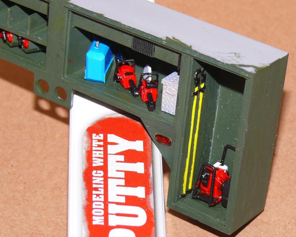 HEMTT M1142 Tactical Fire Fighting Truck TFFT de Trumpeter au 1/35 - Page 2 Hemtt652