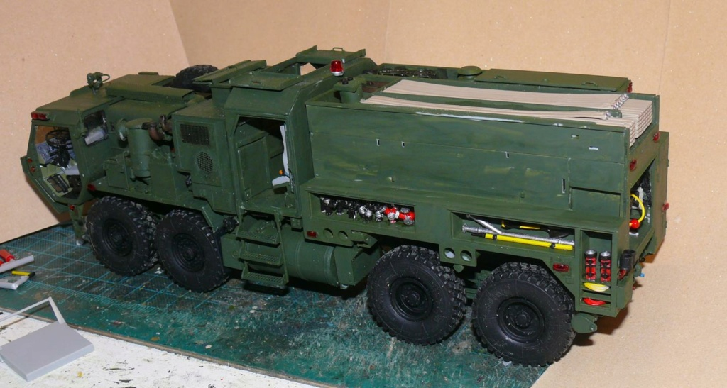 HEMTT M1142 Tactical Fire Fighting Truck TFFT de Trumpeter au 1/35 - Page 2 Hemtt674