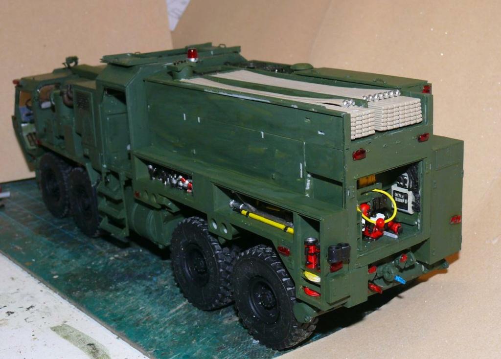 HEMTT M1142 Tactical Fire Fighting Truck TFFT de Trumpeter au 1/35 - Page 2 Hemtt676