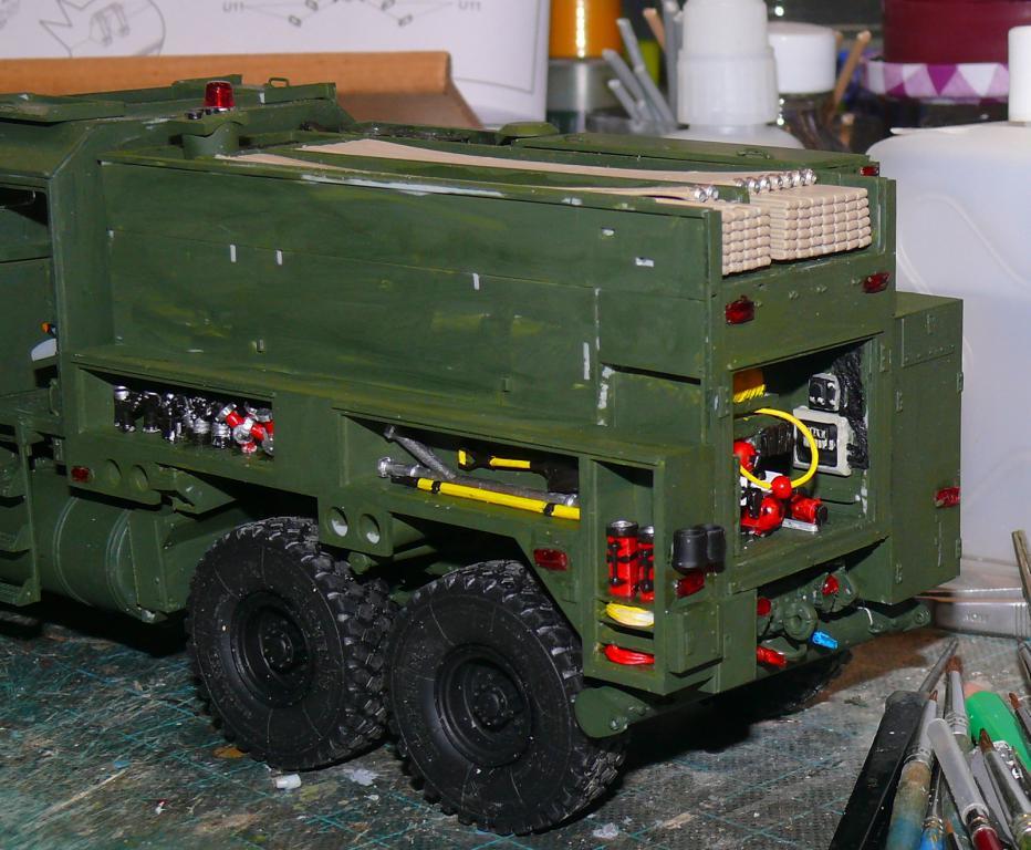 HEMTT M1142 Tactical Fire Fighting Truck TFFT de Trumpeter au 1/35 - Page 2 Hemtt686
