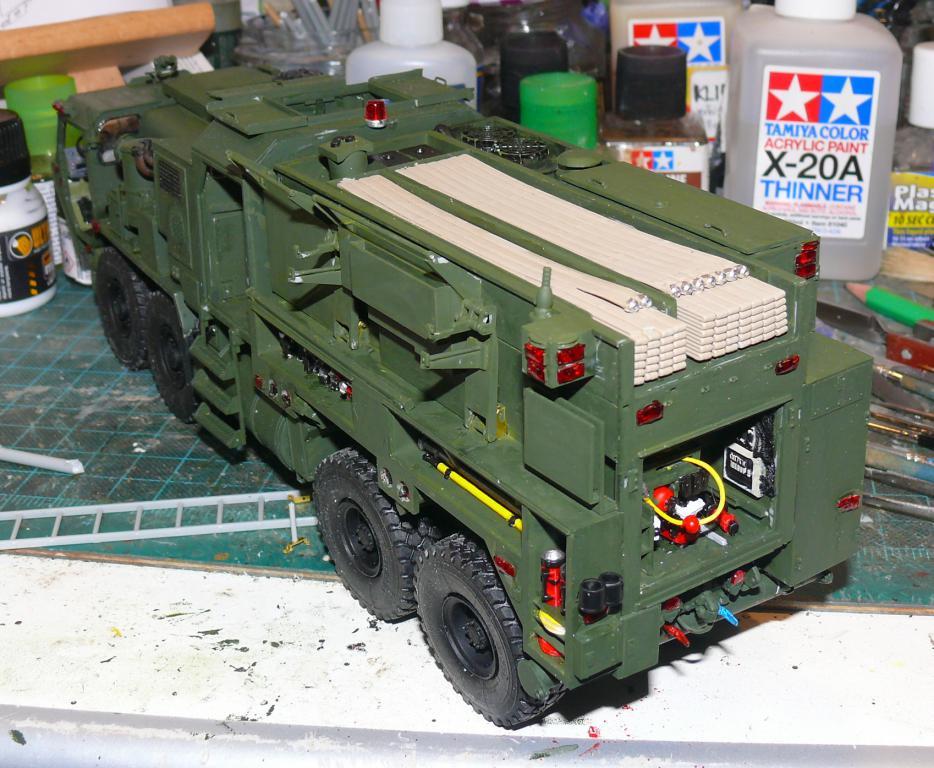 HEMTT M1142 Tactical Fire Fighting Truck TFFT de Trumpeter au 1/35 - Page 2 Hemtt689