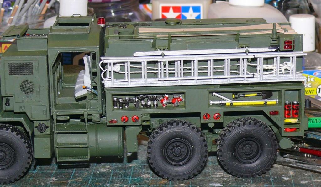 HEMTT M1142 Tactical Fire Fighting Truck TFFT de Trumpeter au 1/35 - Page 2 Hemtt695