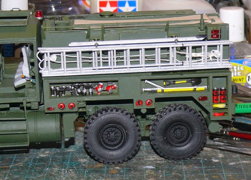 HEMTT M1142 Tactical Fire Fighting Truck TFFT de Trumpeter au 1/35 - Page 2 Hemtt699