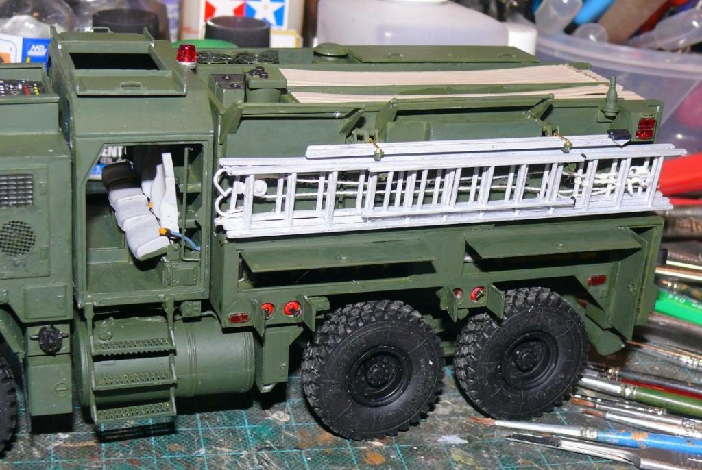 HEMTT M1142 Tactical Fire Fighting Truck TFFT de Trumpeter au 1/35 - Page 2 Hemtt701