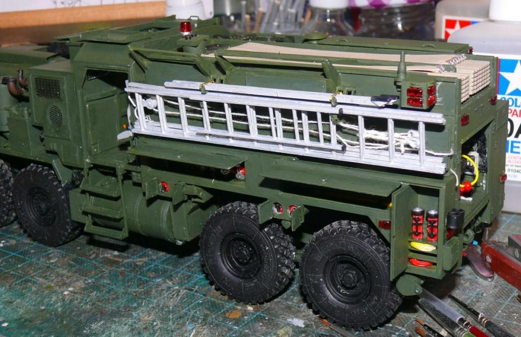 HEMTT M1142 Tactical Fire Fighting Truck TFFT de Trumpeter au 1/35 - Page 2 Hemtt702