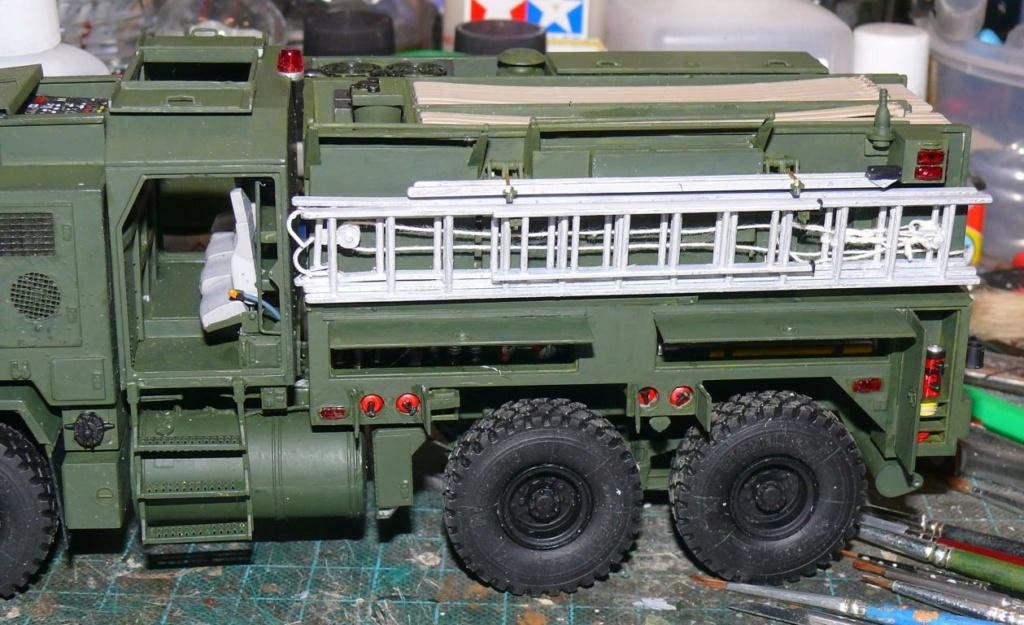 HEMTT M1142 Tactical Fire Fighting Truck TFFT de Trumpeter au 1/35 - Page 2 Hemtt703