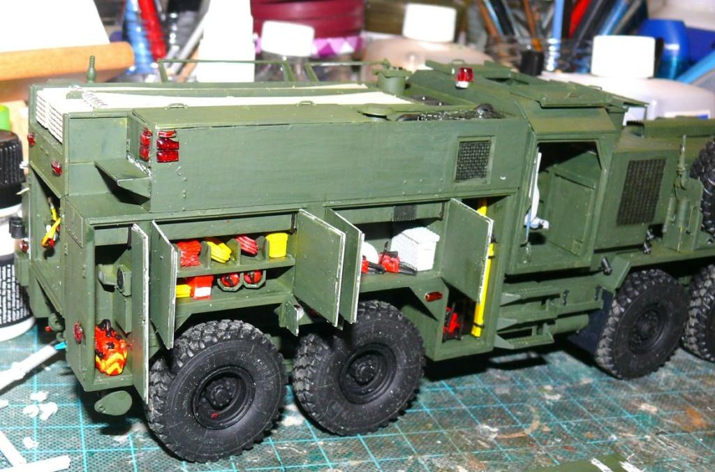 HEMTT M1142 Tactical Fire Fighting Truck TFFT de Trumpeter au 1/35 - Page 2 Hemtt712