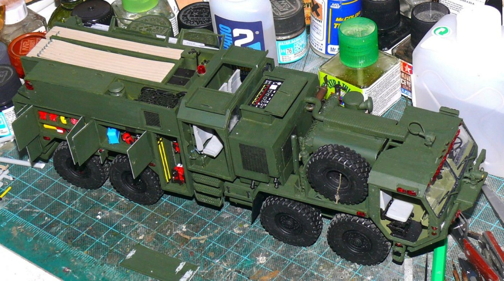 HEMTT M1142 Tactical Fire Fighting Truck TFFT de Trumpeter au 1/35 - Page 2 Hemtt713