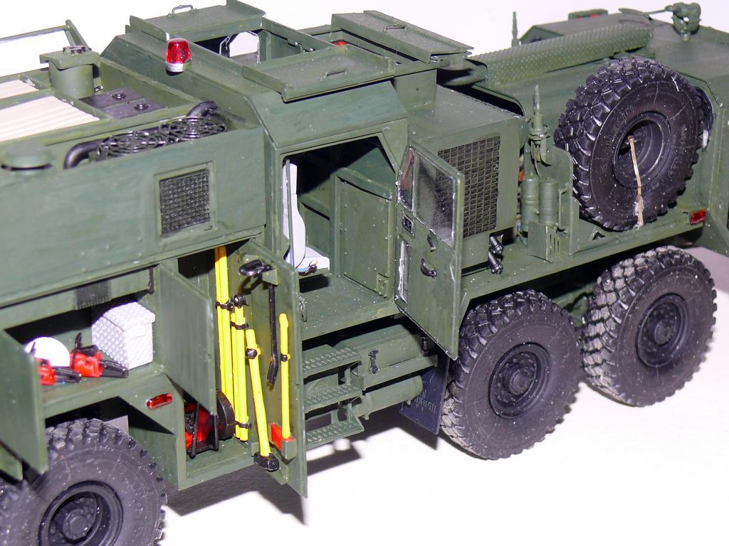 HEMTT M1142 Tactical Fire Fighting Truck TFFT de Trumpeter au 1/35 - Page 2 Hemtt715