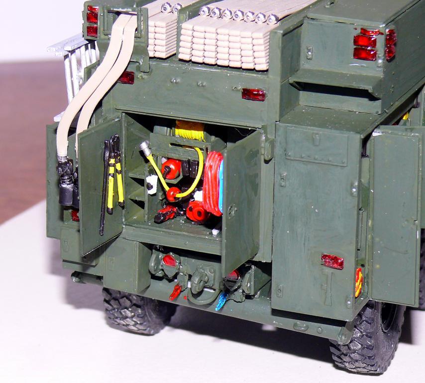 HEMTT M1142 Tactical Fire Fighting Truck TFFT de Trumpeter au 1/35 - Page 2 Hemtt718