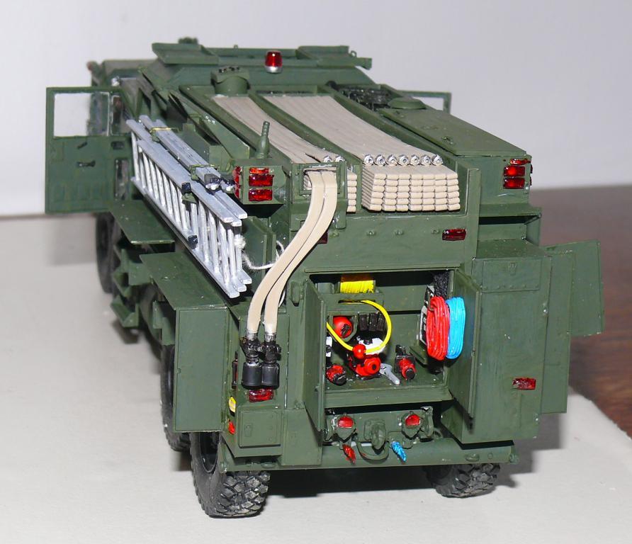 HEMTT M1142 Tactical Fire Fighting Truck TFFT de Trumpeter au 1/35 - Page 2 Hemtt721