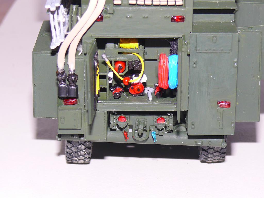 HEMTT M1142 Tactical Fire Fighting Truck TFFT de Trumpeter au 1/35 - Page 2 Hemtt722