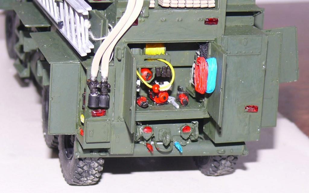 HEMTT M1142 Tactical Fire Fighting Truck TFFT de Trumpeter au 1/35 - Page 2 Hemtt723