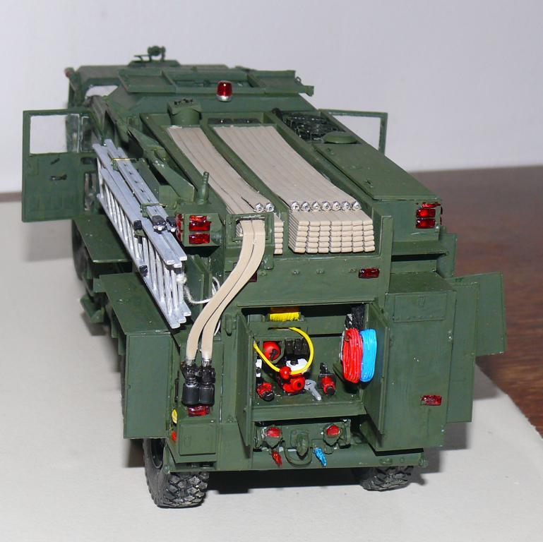 HEMTT M1142 Tactical Fire Fighting Truck TFFT de Trumpeter au 1/35 - Page 3 Hemtt725