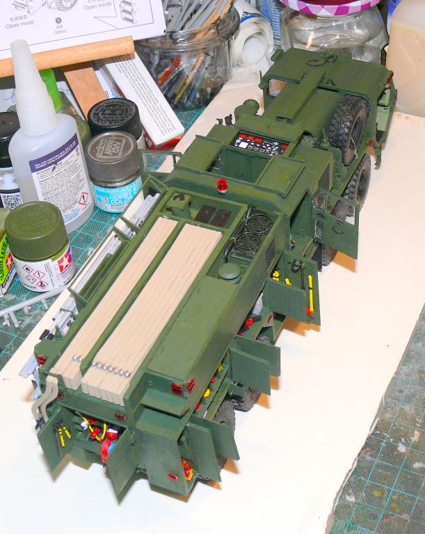 HEMTT M1142 Tactical Fire Fighting Truck TFFT de Trumpeter au 1/35 - Page 3 Hemtt731