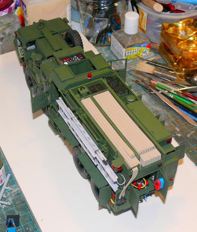 HEMTT M1142 Tactical Fire Fighting Truck TFFT de Trumpeter au 1/35 - Page 3 Hemtt732