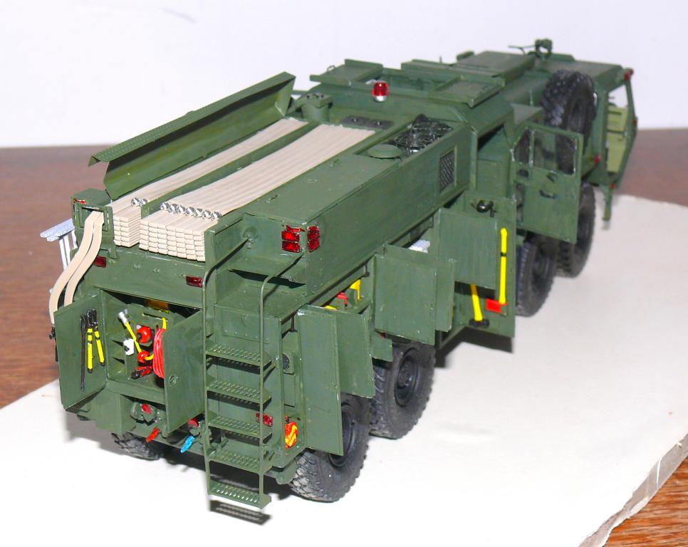 HEMTT M1142 Tactical Fire Fighting Truck TFFT de Trumpeter au 1/35 - Page 3 Hemtt744