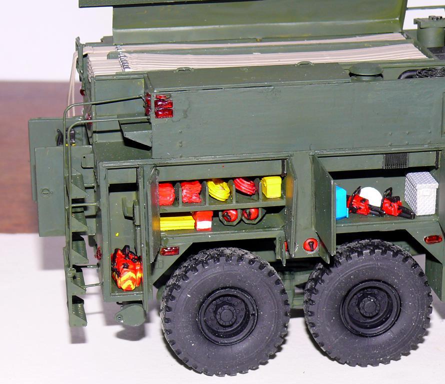 HEMTT M1142 Tactical Fire Fighting Truck TFFT de Trumpeter au 1/35 - Page 3 Hemtt745