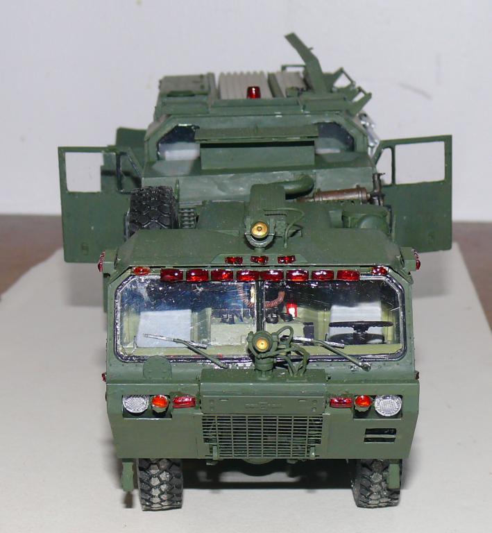HEMTT M1142 Tactical Fire Fighting Truck TFFT de Trumpeter au 1/35 - Page 3 Hemtt750