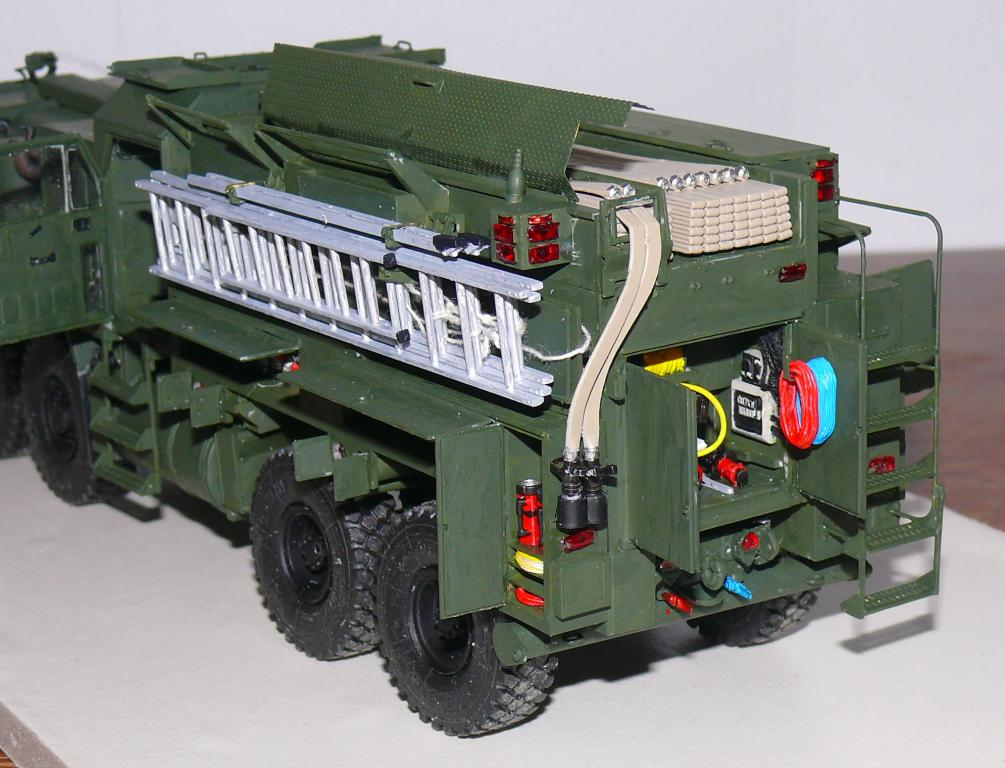 HEMTT M1142 Tactical Fire Fighting Truck TFFT de Trumpeter au 1/35 - Page 3 Hemtt757