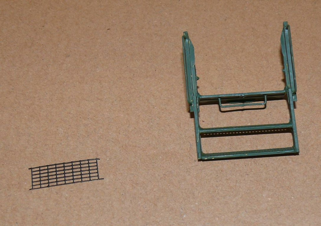 HEMTT M1142 Tactical Fire Fighting Truck TFFT de Trumpeter au 1/35 - Page 3 Hemtt766