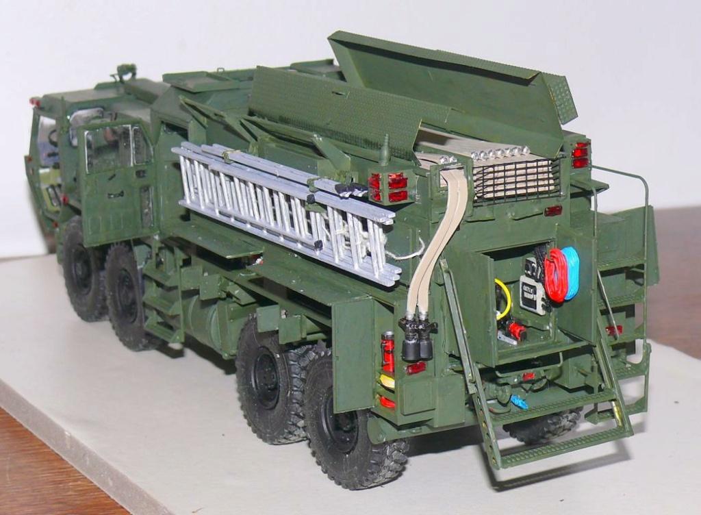HEMTT M1142 Tactical Fire Fighting Truck TFFT de Trumpeter au 1/35 - Page 3 Hemtt769