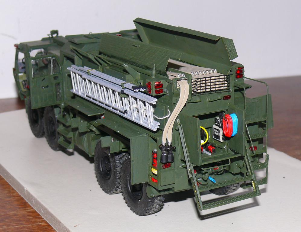 HEMTT M1142 Tactical Fire Fighting Truck TFFT de Trumpeter au 1/35 - Page 3 Hemtt780