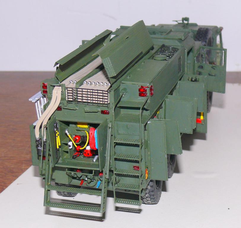 HEMTT M1142 Tactical Fire Fighting Truck TFFT de Trumpeter au 1/35 - Page 3 Hemtt782