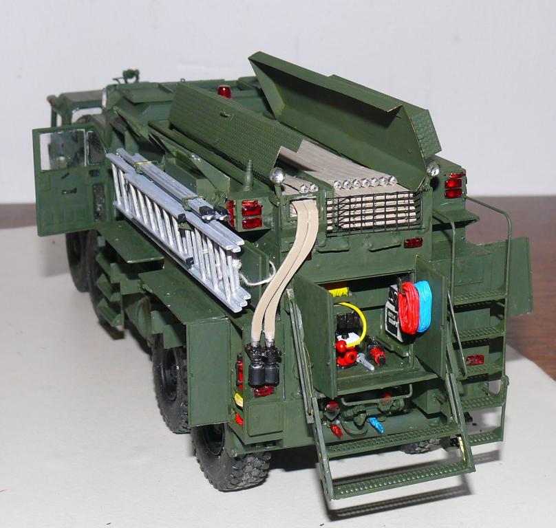 HEMTT M1142 Tactical Fire Fighting Truck TFFT de Trumpeter au 1/35 - Page 3 Hemtt789