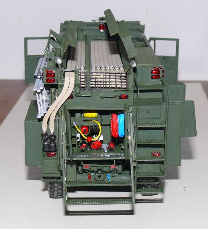 HEMTT M1142 Tactical Fire Fighting Truck TFFT de Trumpeter au 1/35 - Page 3 Hemtt790