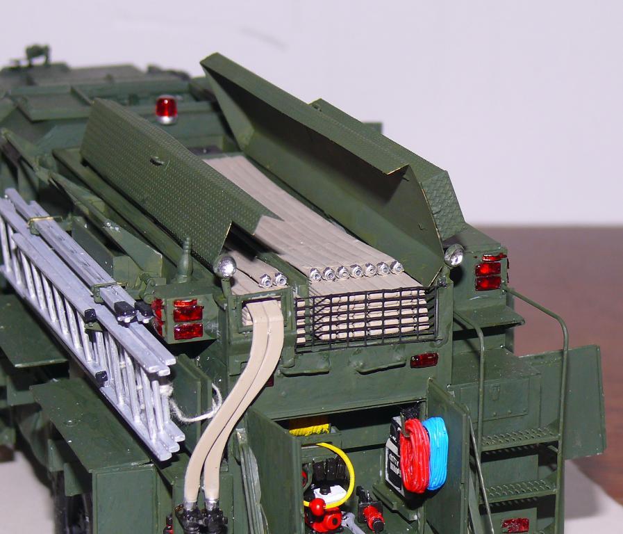 HEMTT M1142 Tactical Fire Fighting Truck TFFT de Trumpeter au 1/35 - Page 3 Hemtt791