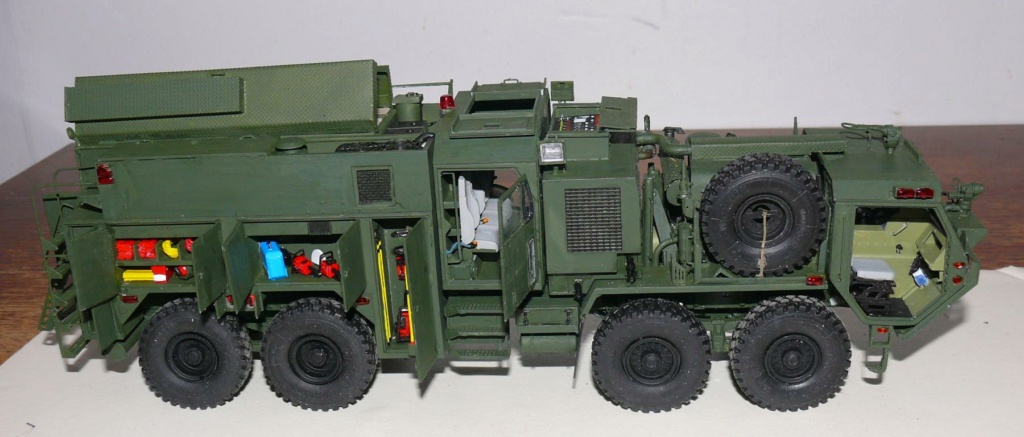 HEMTT M1142 Tactical Fire Fighting Truck TFFT de Trumpeter au 1/35 - Page 3 Hemtt794