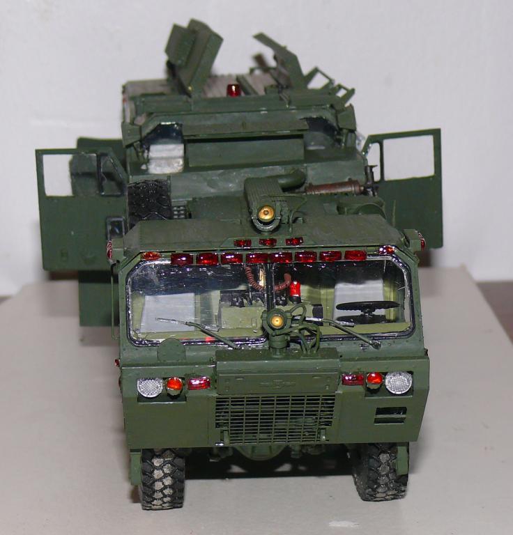 HEMTT M1142 Tactical Fire Fighting Truck TFFT de Trumpeter au 1/35 - Page 3 Hemtt795