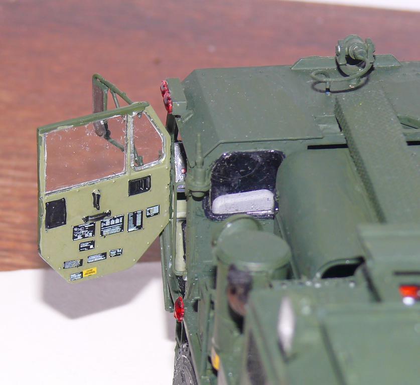 HEMTT M1142 Tactical Fire Fighting Truck TFFT de Trumpeter au 1/35 - Page 3 Hemtt803