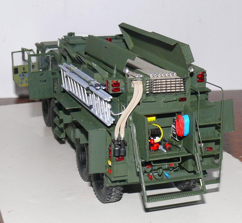 HEMTT M1142 Tactical Fire Fighting Truck TFFT de Trumpeter au 1/35 - Page 3 Hemtt804