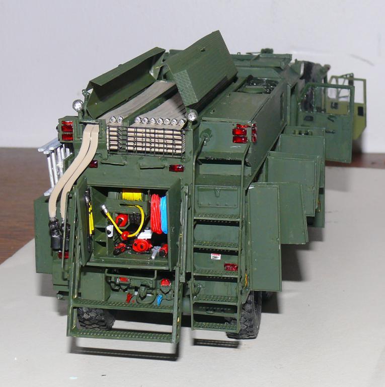 HEMTT M1142 Tactical Fire Fighting Truck TFFT de Trumpeter au 1/35 - Page 3 Hemtt805