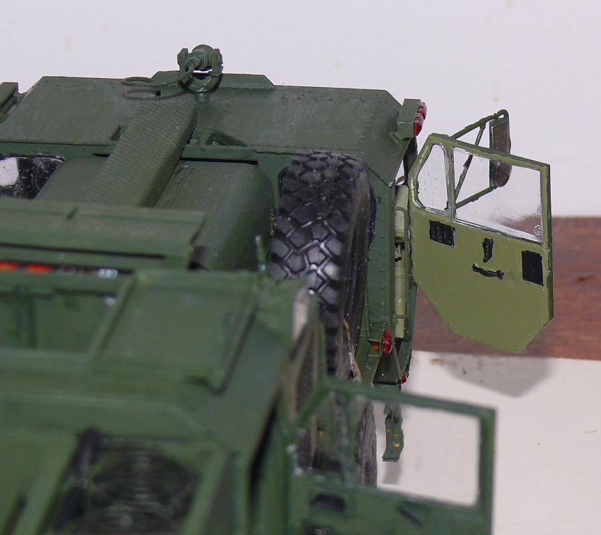 HEMTT M1142 Tactical Fire Fighting Truck TFFT de Trumpeter au 1/35 - Page 3 Hemtt806