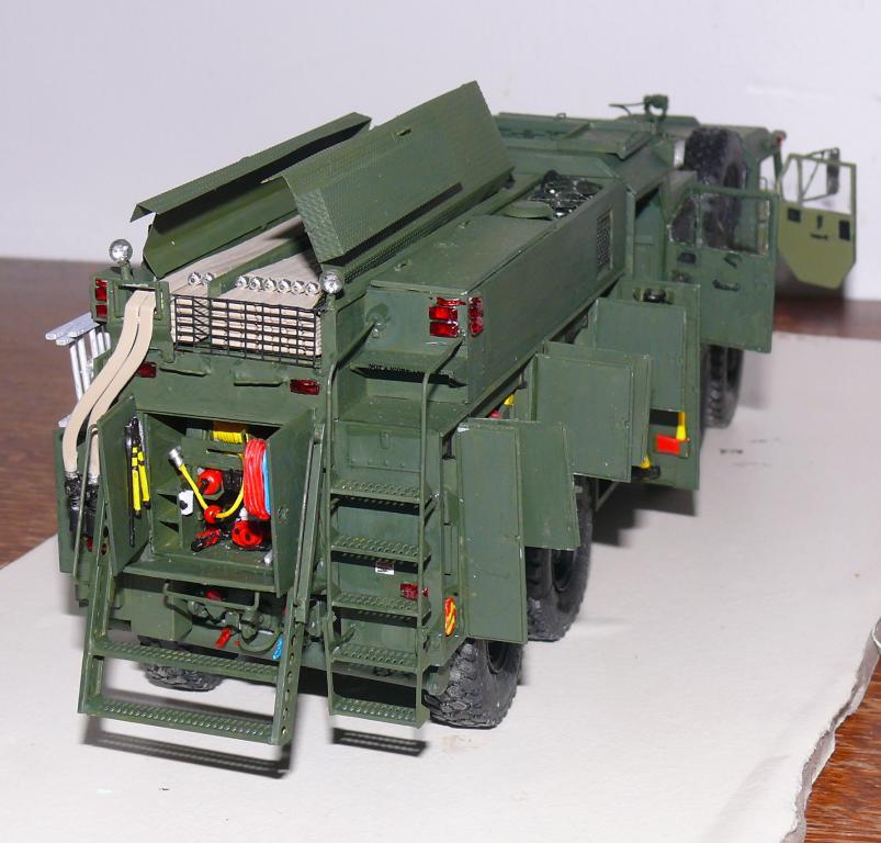 HEMTT M1142 Tactical Fire Fighting Truck TFFT de Trumpeter au 1/35 - Page 3 Hemtt807