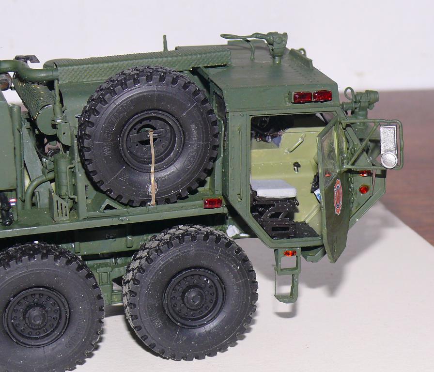 HEMTT M1142 Tactical Fire Fighting Truck TFFT de Trumpeter au 1/35 - Page 3 Hemtt809