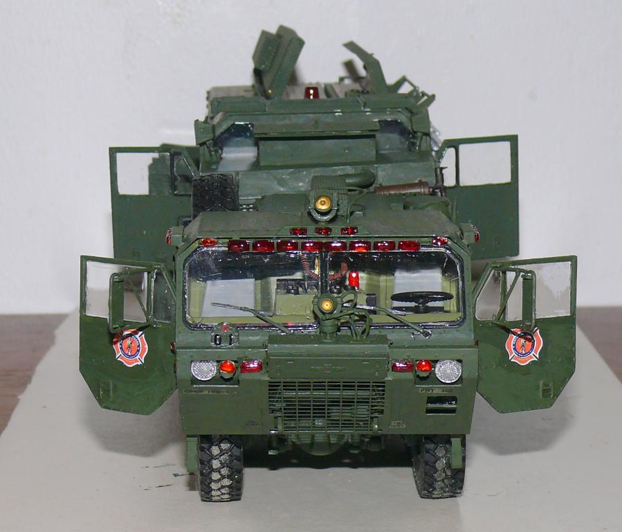 HEMTT M1142 Tactical Fire Fighting Truck TFFT de Trumpeter au 1/35 - Page 3 Hemtt812