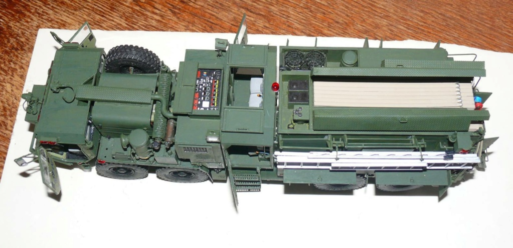 HEMTT M1142 Tactical Fire Fighting Truck TFFT de Trumpeter au 1/35 - Page 3 Hemtt817