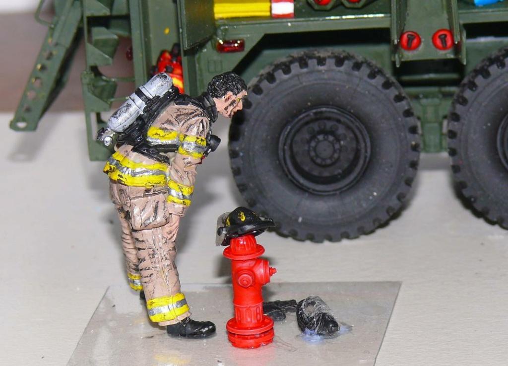 HEMTT M1142 Tactical Fire Fighting Truck TFFT de Trumpeter au 1/35 - Page 3 Hemtt822