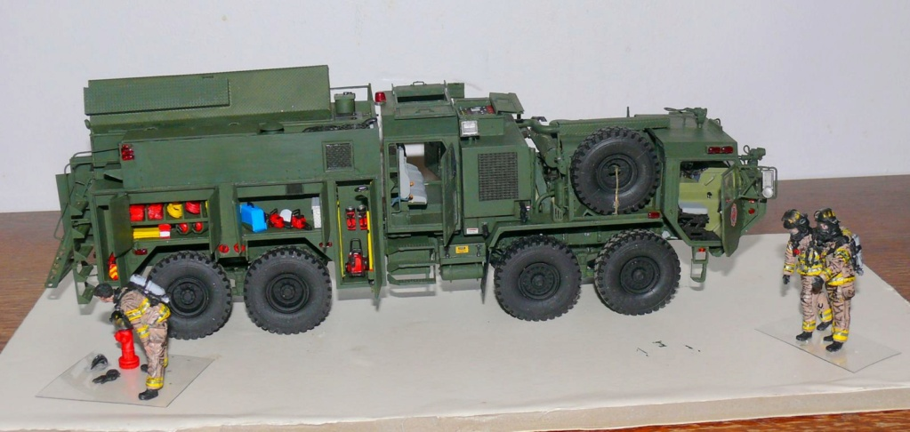 HEMTT M1142 Tactical Fire Fighting Truck TFFT de Trumpeter au 1/35 - Page 3 Hemtt846