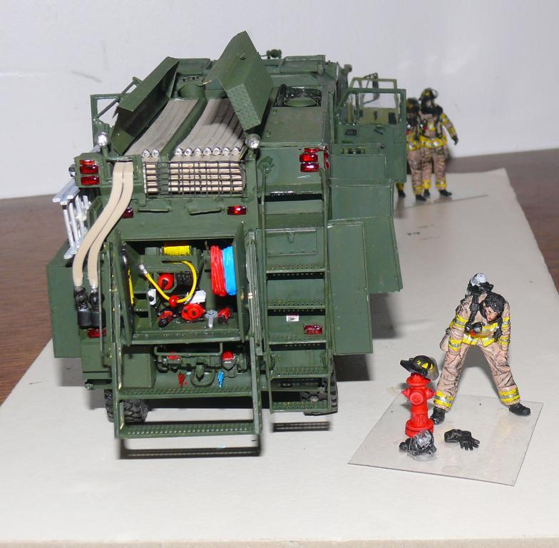 HEMTT M1142 Tactical Fire Fighting Truck TFFT de Trumpeter au 1/35 - Page 3 Hemtt848